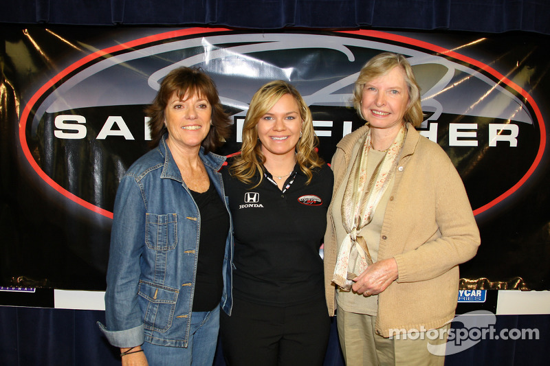 Sarah Fisher Racing conferencia de prensa: Sarah Fisher con Lyn St. James y Janet Guthrie