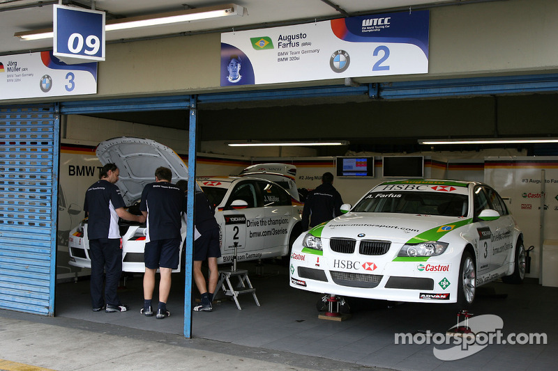 BMW Team Germany, garage