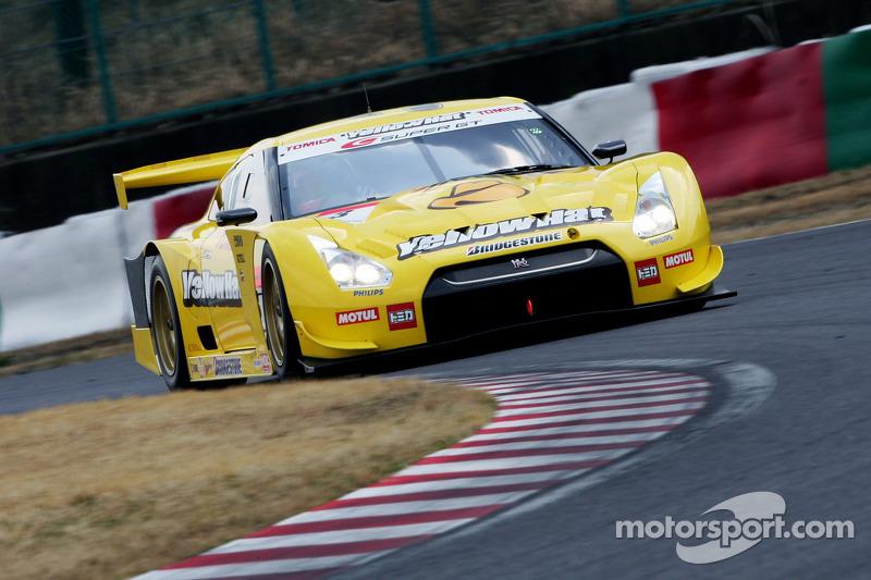 Ronnie Quintarelli and Naoki Yokomizo, YellowHat YMS Tomica GTR