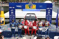 Podio: ganadores Sébastien Loeb y Daniel Elena, segundo lugar Chris Atkinson y Stéphane Prévot, terc