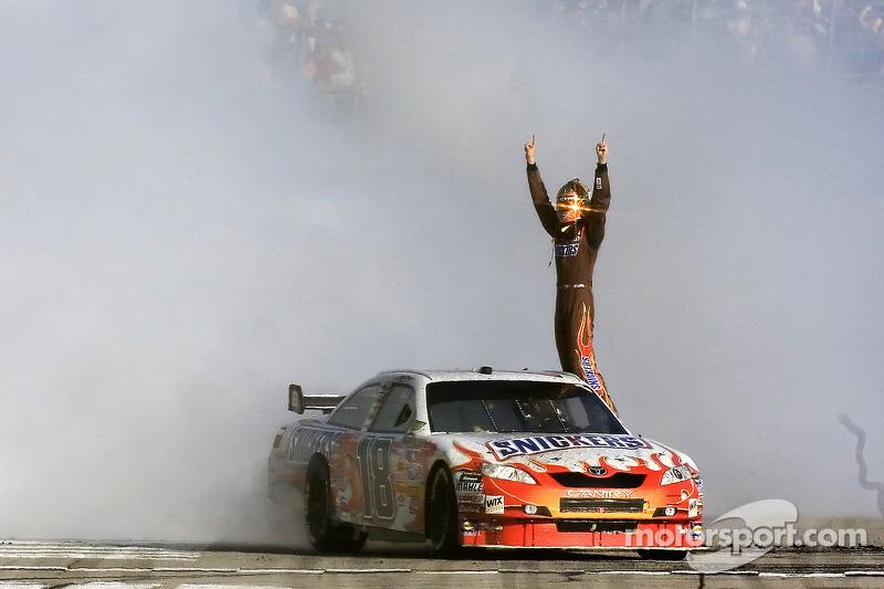 2008: Kyle Busch holt den ersten Toyota-Sieg
