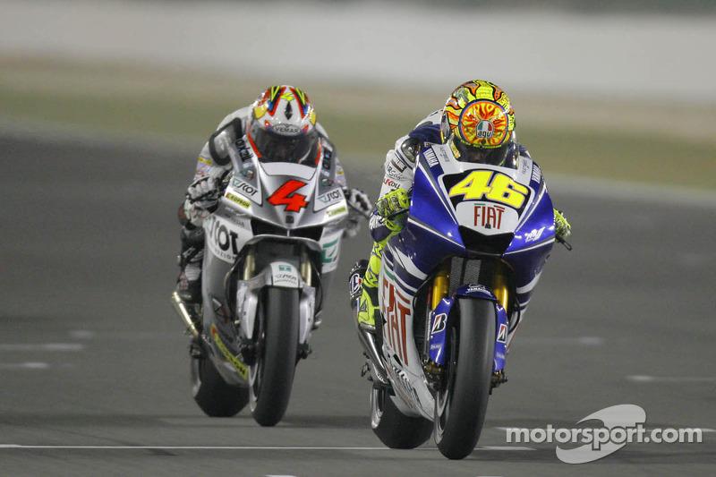 Valentino Rossi devant Andrea Dovizioso