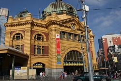 Visit, Melbourne, Flinders Station