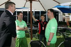 Ross Brawn Team Principal, Honda Racing F1 Team, Anthony Davidson, Super Aguri F1 Team