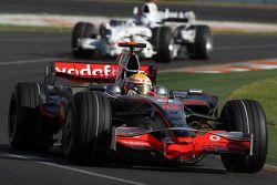 Lewis Hamilton, McLaren Mercedes, Nick Heidfeld, BMW Sauber F1 Team