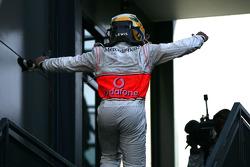 Le vainqueur, 1er, Lewis Hamilton, McLaren Mercedes