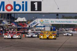 Horag Racing Porsche RS Spyder : Fredy Lienhard, Didier Theys, Jan Lammers; Penske Racing Porsche RS Spyder : Sascha Maassen, Patrick Long, Ryan Briscoe