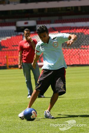 Parthiva Sureshwaren, driver of A1 Team India at the Azteca stadium
