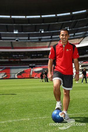 Khalil Beschir, driver of A1 Team Lebanon at the Azteca stadium