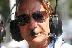 Emerson Fittipaldi, titulaire du siège du A1 Team Brésil