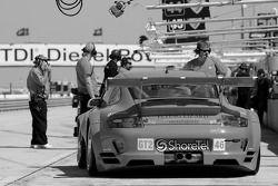 #46 Flying Lizard Motorsports Porsche 911 GT3 RSR: Johannes van Overbeek, Patrick Pilet, Richard Lie