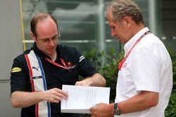 Neil Martin con Helmut Marko, consulente motorsport della Red Bull