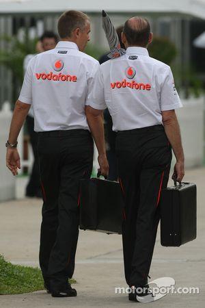 Martin Whitmarsh, McLaren, Chief Director Ejecutivo y Ron Dennis, Presidente de McLaren y director