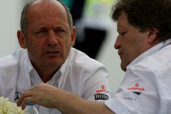 Ron Dennis, McLaren, Team Principal, Président et Norbert Haug, Mercedes, chef Motorsport