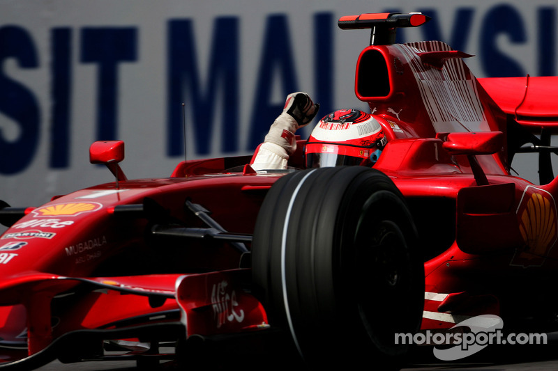 2008 Kimi Raikkonen celebra