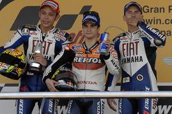 Le podium du Grand Prix d'Espagne 2008, composé de Dani Pedrosa (vainqueur), Valentino Rossi et Jorge Lorenzo