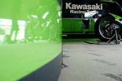 Гараж Kawasaki Racing Team
