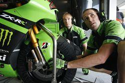 Члены команды Kawasaki Racing