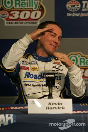 Kevin Harvick explains how his car handled in practice