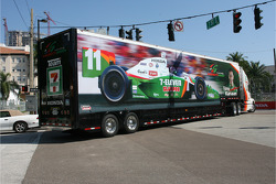 Transporter of Tony Kanaan