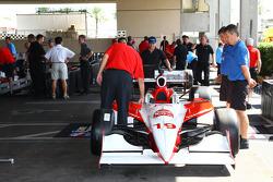 Car of Mario Moraes is inspected