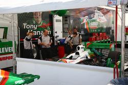 Car of Tony Kanaan is unloaded