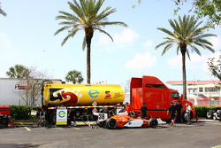 Car of Enrique Bernoldi at refuel station