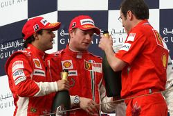 Podio: Felipe Massa, Kimi Raikkonen y Stefano Domenicali