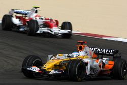 Fernando Alonso, Renault F1 Team, Timo Glock, Toyota F1 Team