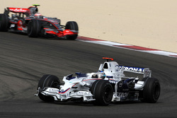 Nick Heidfeld, BMW Sauber F1 Team, Fernando Alonso, Renault F1 Team