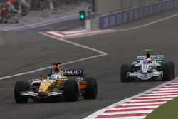 Fernando Alonso, Renault F1 Team, Rubens Barrichello, Honda Racing F1 Team