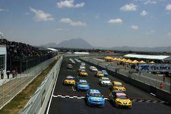 Start: Nicola Larini, Chevrolet, Chevrolet Lacetti and Jordi Gene, Seat Sport, Seat Leon TDI
