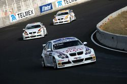 Andy Priaulx, BMW Team UK, BMW 320si WTCC, Jorg Muller, BMW Team Germany, BMW 320si, Felix Porteiro,