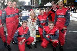 Jennifer Paige with the Audi crew after her taxi drive