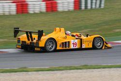 #19 Chamberlain - Synergy Lola B06/10 - AER: Bob Berridge, Gareth Evans