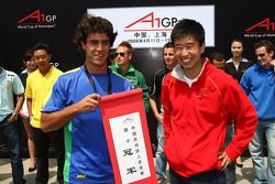 Alexandre Negrao, driver of A1 Team Brazil and Congfu Cheng, driver of A1 Team China