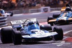 Джон Сёртиз на Surtees TS9
