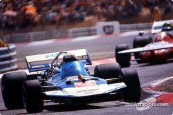 Рольф Штоммелен на Surtees TS9