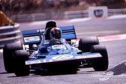 Франсуа Север борется за 2ое место на Tyrrell 002