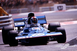 Pasar a 2 º lugar, Francois Cevert, Tyrrell 002