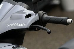 Scooter of Bernd Schneider, Team HWA AMG Mercedes, AMG Mercedes C-Klasse