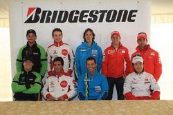 Séance d'autographes des pilotes Bridgestone