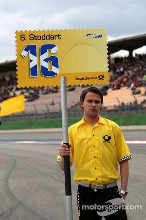 Grid boy of Susie Stoddart, Persson Motorsport AMG Mercedes, AMG Mercedes C-Klasse