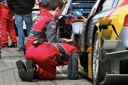 Phoenix mechanics work on car of Oliver Jarvis, Audi Sport Team Phoenix, Audi A4 DTM