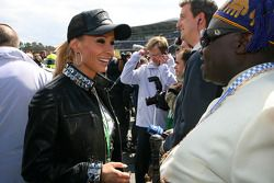 Cora Schumacher, wife of Ralf Schumacher, has a chat with the King of Benin