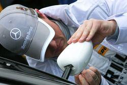Ralf Schumacher, Mücke Motorsport AMG Mercedes, AMG Mercedes C-Klasse watching the mirror