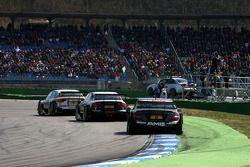 Александр Према, Audi Sport Team Phoenix, Audi A4 DTM едет впереди Маркуса Винкельхока, Audi Sport T