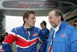 Robbie Kerr, driver of A1 Team Great Britain and Tony Clements, Seat holder of A1 Team Great Britain