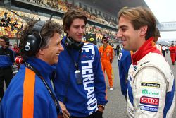 Jan Lammers, Seat HoldersA1 Team Netherlands, Arie Luyendyk Jr., driver of A1 Team Netherlands and Jeroen Bleekemolen, driver of A1 Team Netherlands