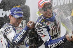 Podium: champagne for Jorge Lorenzo and Valentino Rossi
